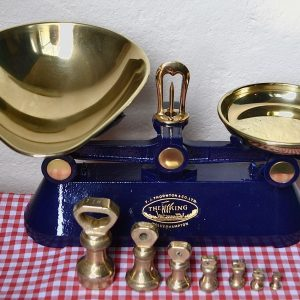 VINTAGE ENGLISH KITCHEN SCALES